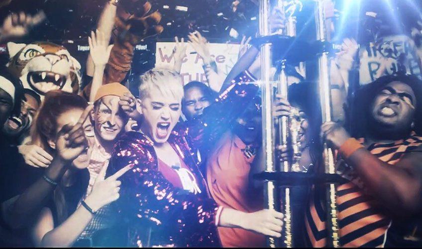 Κυκλοφόρησε το video clip του Swish Swish της Katy Perry