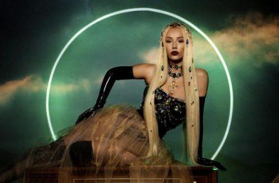 Η Iggy Azalea βρίσκει το σωτήρα της στο video clip του «Savior»