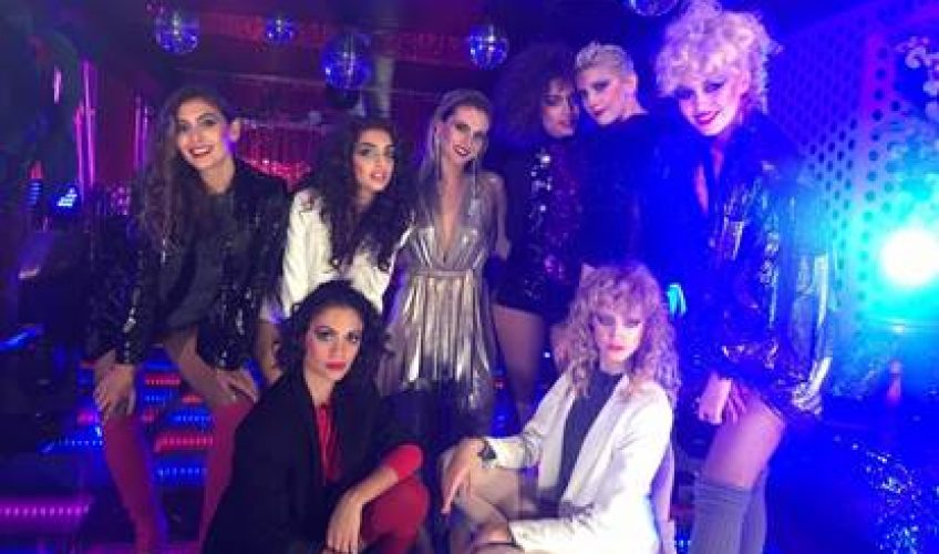 "H διεθνής παραγωγός και Dj και αγαπημένη στο ελληνικό κοινό  Xenia Ghali, μετά την επιτυχία του single ""Stick Around"" επιστρέφει δισκογραφικά με το νέo της single ""Lay In Your Arms""."