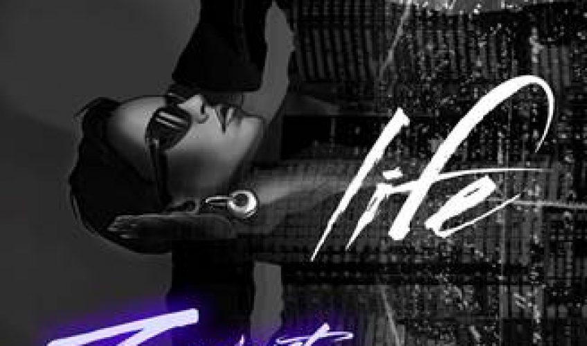 """Το """"Life"""" έφτασε στις κορυφαίες θέσεις των charts, έχει ξεπεράσει τα 40 εκατομμύρια views στο YouTube και είναι στο #32 του Παγκόσμιου Shazam Chart με σχεδόν 2 εκατομμύρια αναζητήσεις μέχρι στιγμής."""