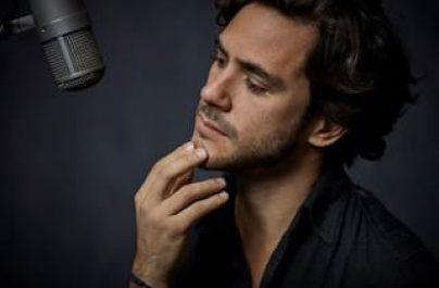 """Ο Jack Savoretti """"χτυπάει"""" με τρίτο super single … To """"Love Is On The Line"""""""