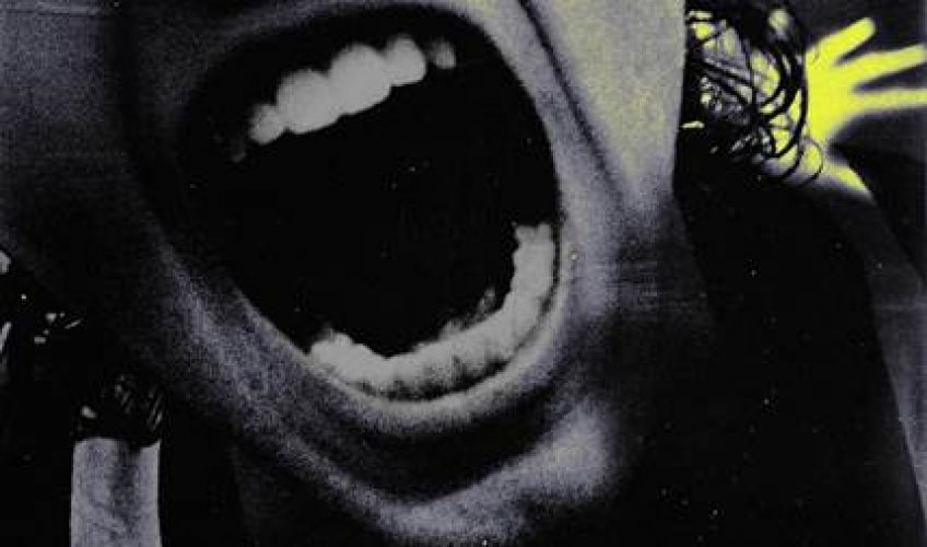 Οι 5 Seconds Of Summer, κυκλοφορούν το νέο τους δυναμικό single με τίτλο 'Teeth'. Παραγωγοί του κομματιού είναι οι Andrew Watt & Louis Bell.