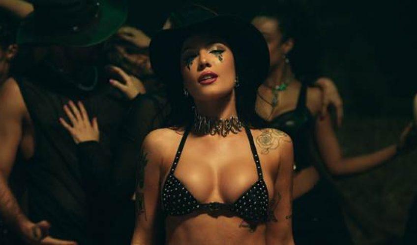 Η πολυπλατινένια και υποψήφια για Grammy Halsey, κυκλοφορεί το νέο της single με τίτλο 'You Should Be Sad'.