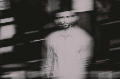 """Ο βραβευμένος, πλατινένιος Βρετανός παραγωγός Calvin Harris εγκαινιάζει το νέο του rave project """"Love Regenerator"""" με την κυκλοφορία 2 τραγουδιών."""