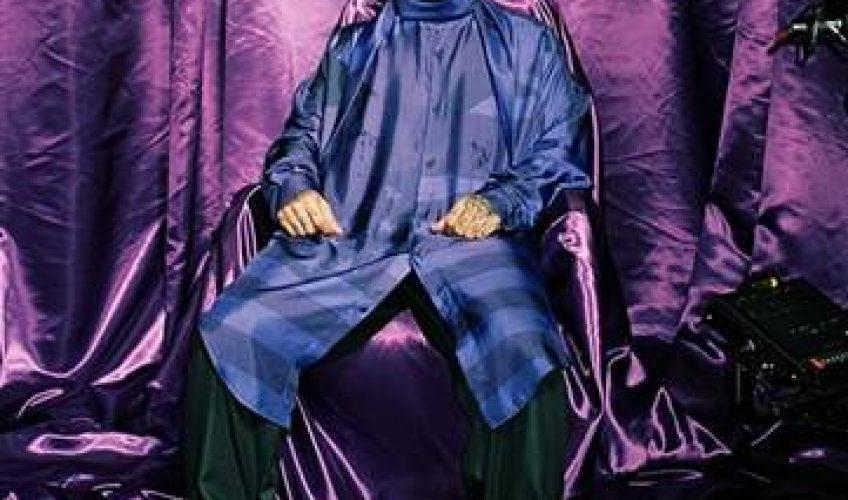 Ο υποψήφιος για βραβείο Latin Grammy & δεύτερος καλλιτέχνης παγκοσμίως , J Balvin , κυκλοφορεί το νέο του hit single με τίτλο 'Morado'.