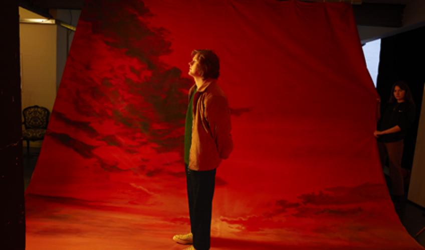 Ο Βρετανός σταρ Lewis Capaldi, κυκλοφορεί το νέο του τραγούδι με τίτλο 'Before You Go'.