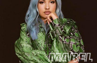 H πρόσφατα βραβευμένη με BRIT, Mabel, κυκλοφορεί σήμερα το νέο της single με τίτλο 'Boyfriend'.