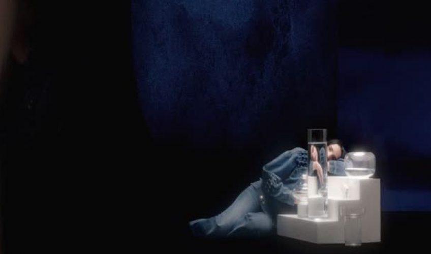 "H Silly Boy Blue παρουσιάζει το ολοκαίνουριο νέο single της ""Hi, It's Me Again""."