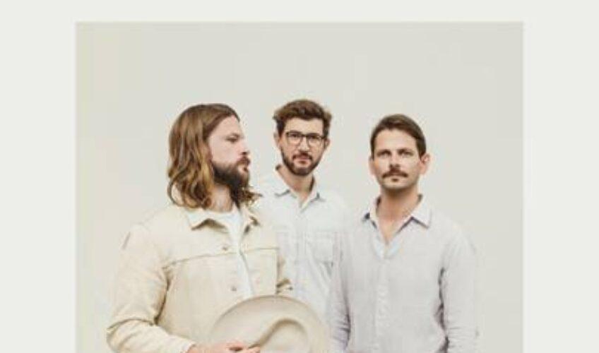 "To alternative indie συγκρότημα με έδρα το Βερολίνο, Mighty Oaks, επιστρέφει με το ολοκαίνουργιο single του, ""Mexico""."