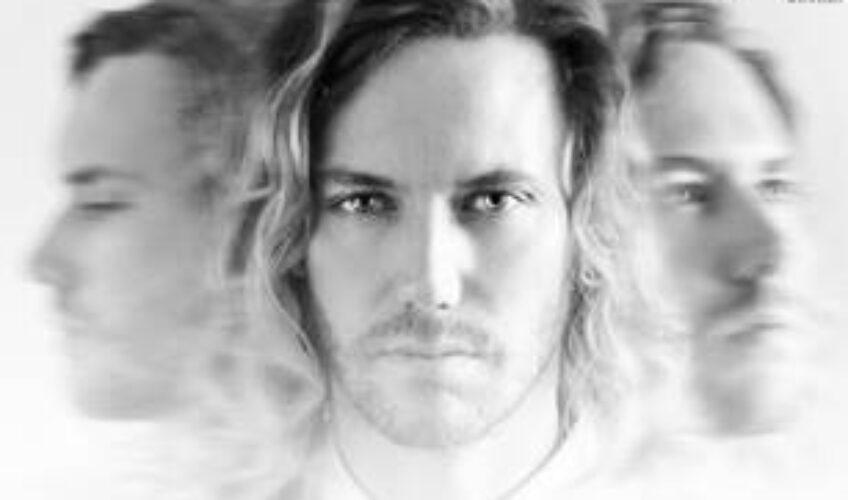 """Το """"Call My Name"""" είναι το νέο single του Σουηδού Just.As. Erik που μόλις κυκλοφόρησε."""