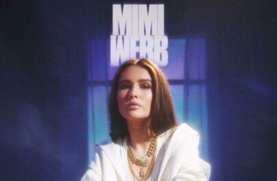 Η Mimi Webb είναι μια 19χρονη τραγουδίστρια από την Αγγλία.