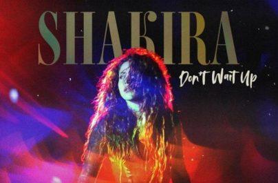 """Η εμβληματική τραγουδίστρια της Κολομβίας και νικήτρια πολλαπλών βραβείων GRAMMY και LATIN GRAMMY, η Shakira επέστρεψε με ένα εκρηκτικό νέο single, τον """"Don't Wait Up""""."""