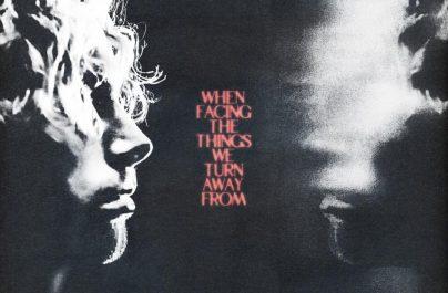 """Το debut album του Luke Hemmings """"When Facing the Things We Turn Away From"""" καρφώθηκε κατευθείαν στο #1 του albums chart της Αυστραλίας."""