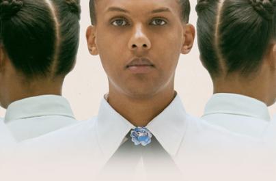 Με αυτό τo single ο Stromae απευθύνεται σε όλους όσους εργάζονται, ενώ κάποιοι άλλοι την ίδια στιγμή κάνουν parties.